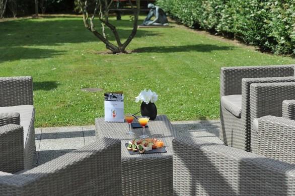 Mercure maurepas saint quentin - outdoor terrace