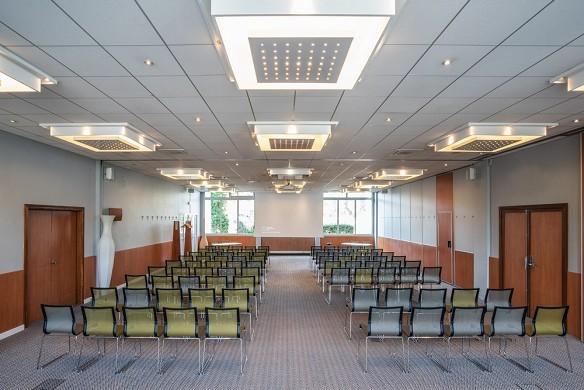 Novotel evry-courcouronnes - seminar room