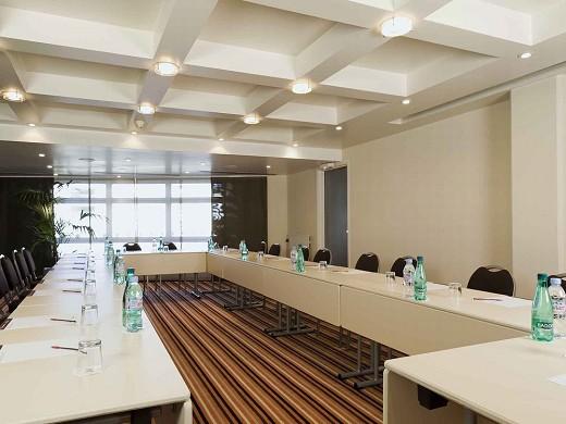 Mercure massy gare tgv - meeting room