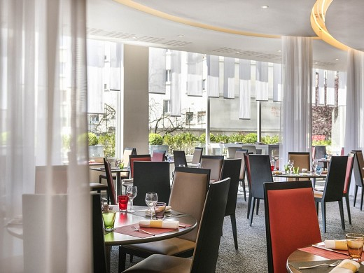 Novotel is paris - restaurant