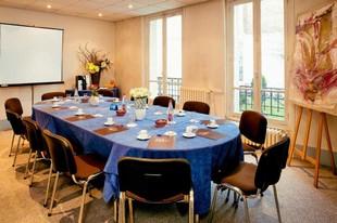 Truffaut Room - Abrial Hotel
