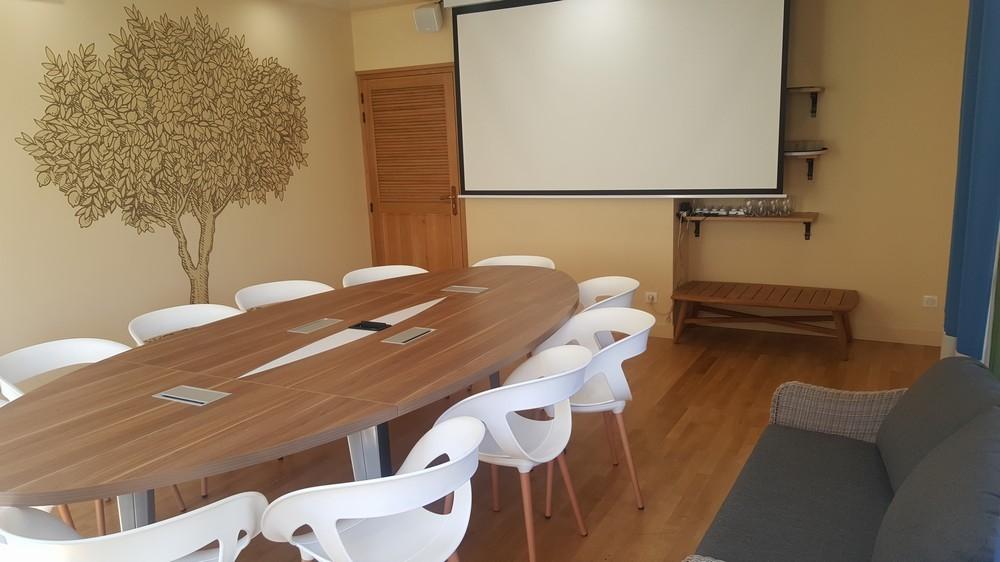 Casa leya - meeting room