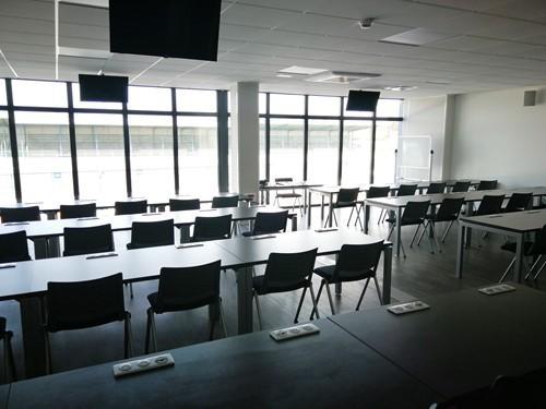 Dijon-Prenois circuit - room rental