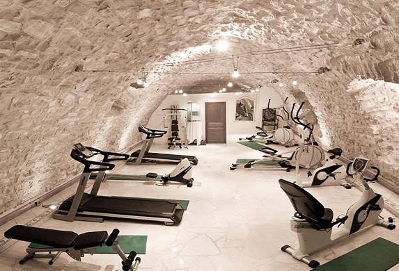 Chateau de la Fleunie - fitness area
