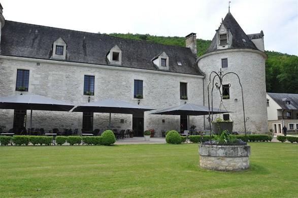 Chateau de la Fleunie - Front