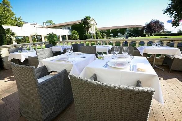 Relais de margaux - terraza