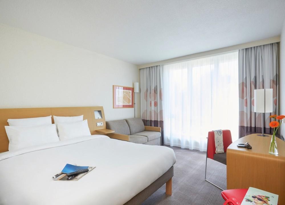 Novotel Lens Noyelles - accommodation for residential seminars
