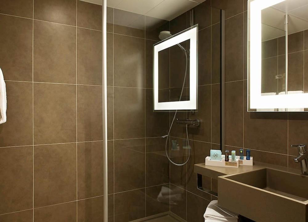 Novotel Lens Noyelles - bathroom