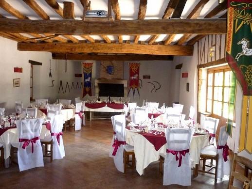 Relais saint jacques de tournoisis - reception hall