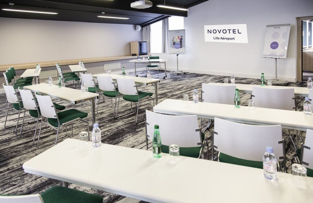 Novotel lille aeroport - meeting room in class