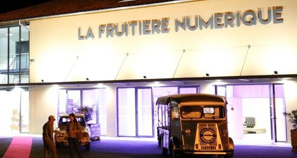 Estación de frutas digital - fachada.