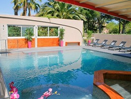 Hotel Gil de France - Swimming pool