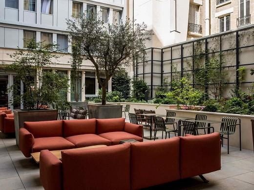 Mercure paris 17 batignolles - inner courtyard