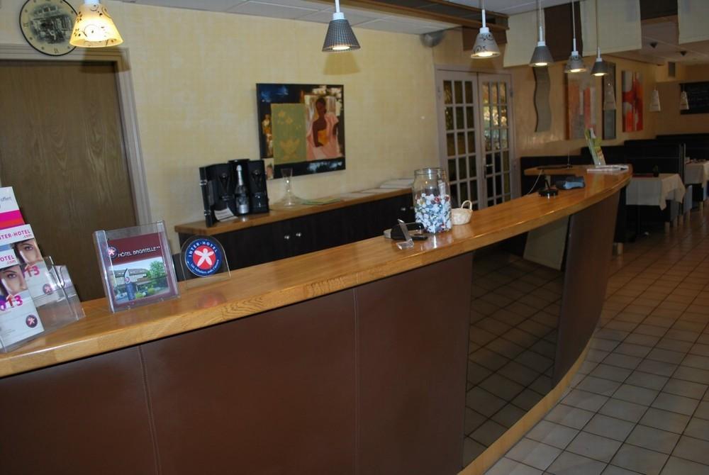 Inter-hotel bagatelle - reception