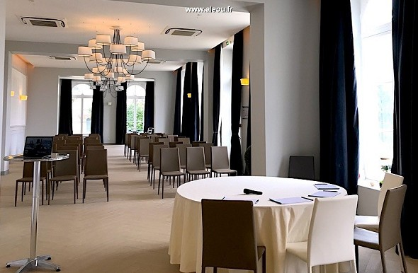 Das Gebiet der Kormellen - Lounges + Monet + Hirse 235 m2