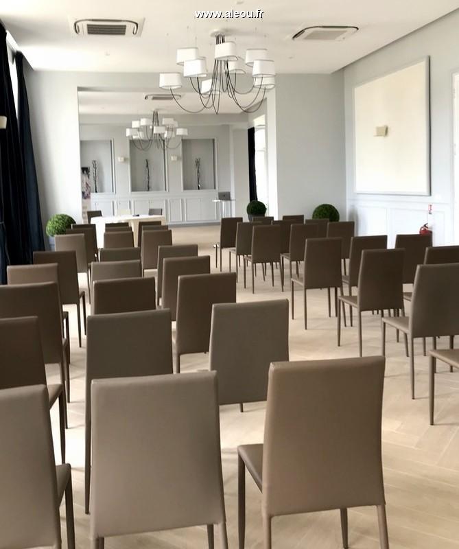 The field of cormellas - lounges renoir & monet - lecture format