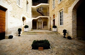 Private mansion for seminars