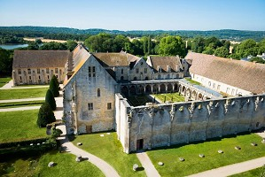 Abbey of Royaumont - Place of seminar of character