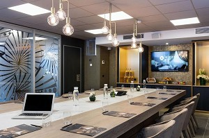 Niepce Paris Curio Collection by Hilton - Meeting Room