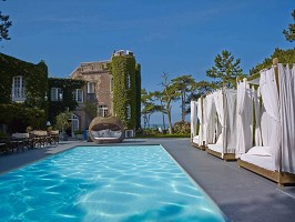 Hotel Le Donjon - Domaine Saint Clair - The swimming pool
