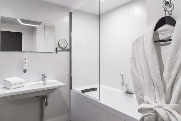 Najeti hotel lille nord - bathroom
