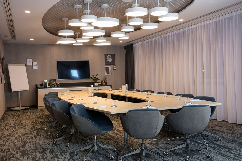 Hampton by Hilton Paris Clichy - meeting room boardroom