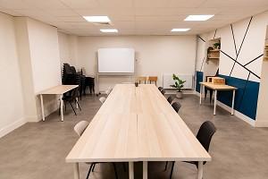 Lejos - Sala de reuniones