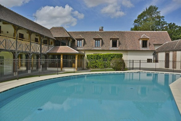 Domaine du roncemay - swimming pool