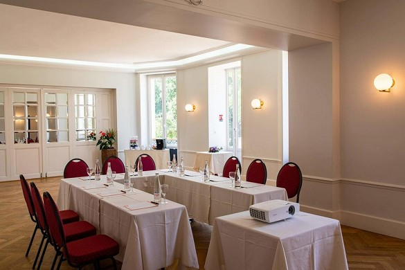 Domaine du roncemay - meeting room