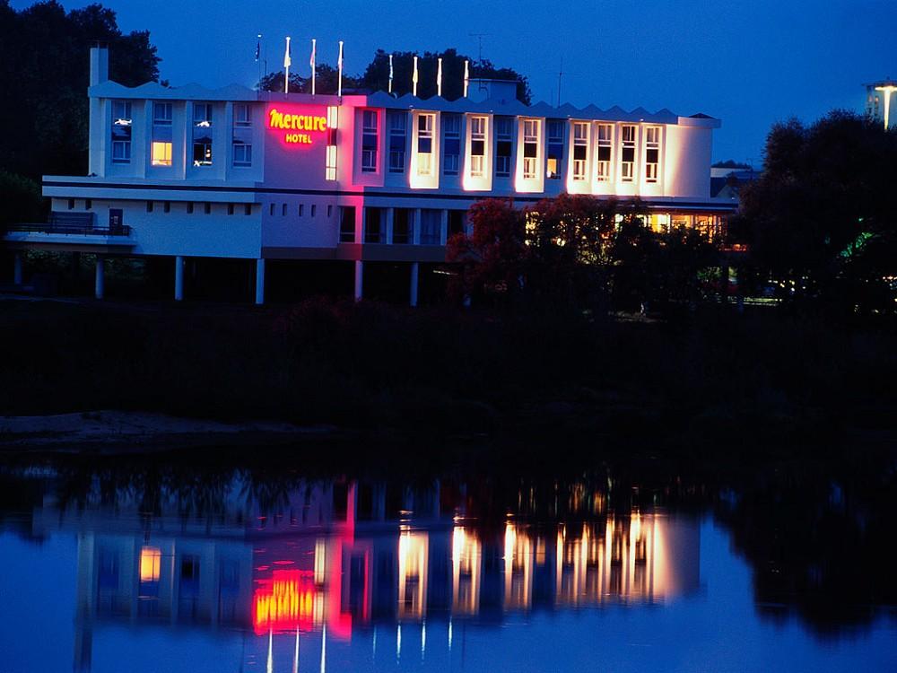 Mercure nevers pont de loire salle s minaire nevers 58 for Hotels nevers