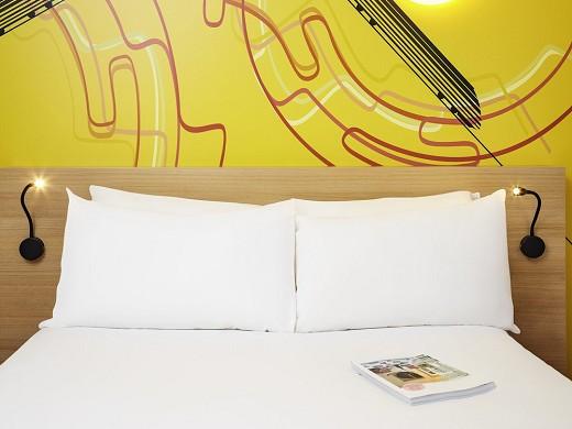 Ibis styles marseille gare saint-charles - room