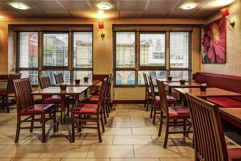 Estación Ibis Nancy y centro de congresos - restaurante