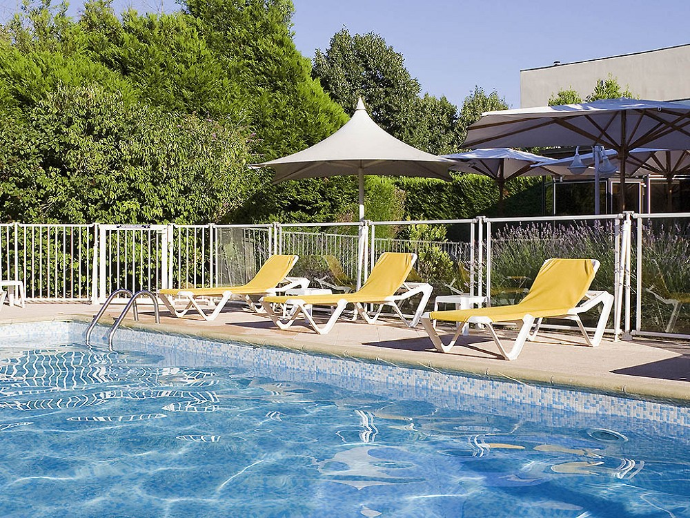 Piscine chambray les tours perfect magasin with piscine for Cash piscine chambray