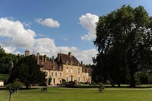 Chateau de Vault de Lugny - Yonne seminario castello
