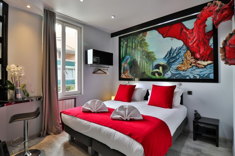 Ideal hotel stay - superior room theme