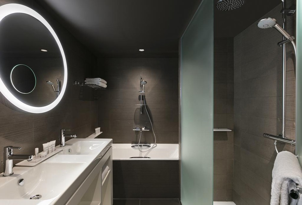 Innside by melia paris charles de gaulle - bathroom