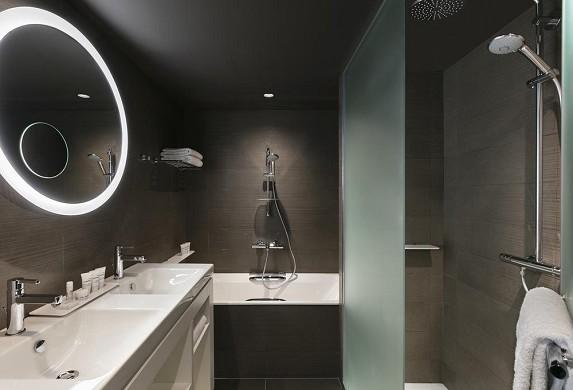 Innside by melia paris charles de gaulle - badezimmer