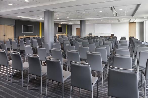 Innside von Melia Paris Charles de Gaulle - Plenarsaal