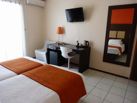 Central hotel cayenne - room