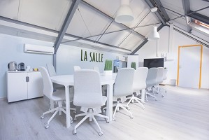 The Cozy - Fully equipped meeting room