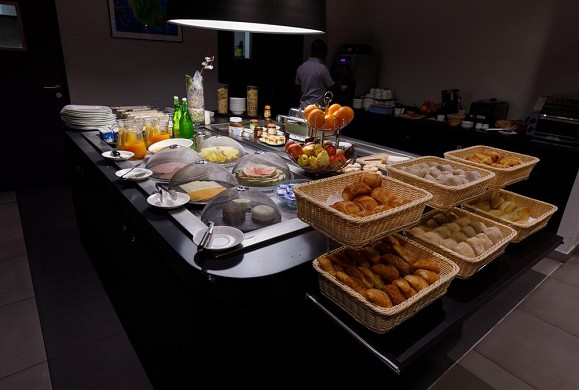 Tulip inn saint clotilde the meeting - buffet