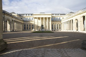 Schloss Rochefort-en-Yveline - Außenansicht