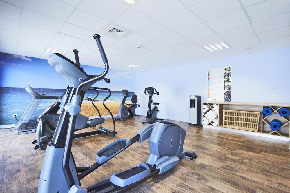 Kyriad la rochelle center the minimes - fitness room