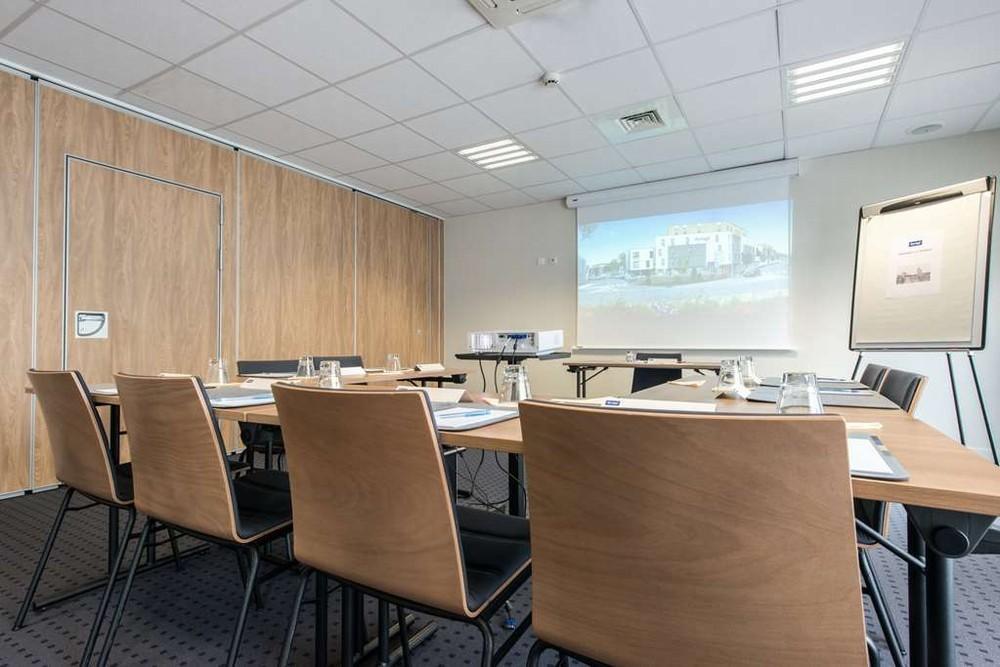 Kyriad la rochelle center the minimes - seminar room