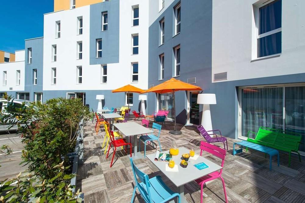 Kyriad la rochelle center the minimes - terrace