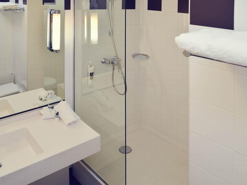 mercure lyon est chaponnay salle s minaire villeurbanne 69. Black Bedroom Furniture Sets. Home Design Ideas