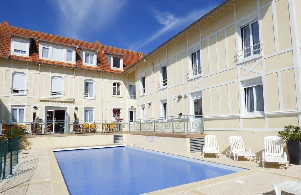 Hotel d'Orbigny - swimming pool
