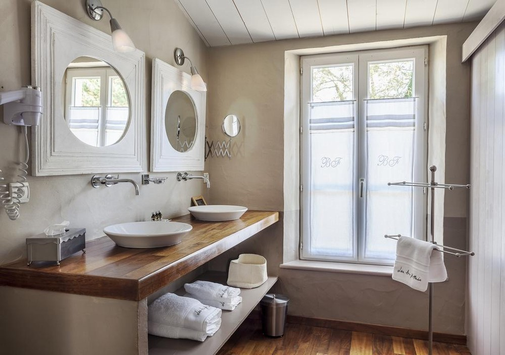 Floating blois - bathroom