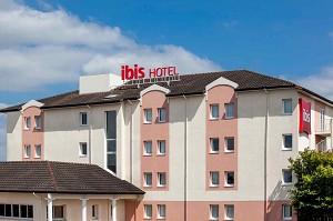 Ibis Pau Lescar - Hotel Front