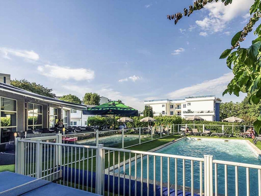 Mercure annecy sud salle s minaire annecy 74 for Piscine annecy